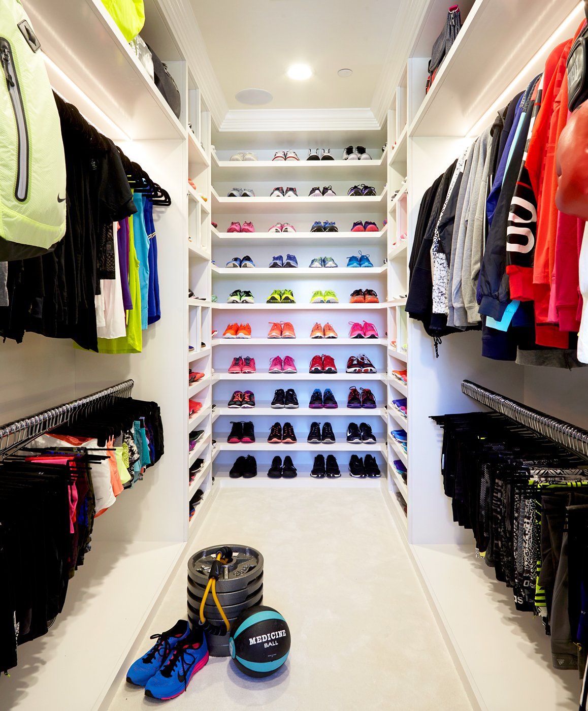 """Khloe Kardashian Has a """"Fitness Closet"""" With Almost Every Nike Product Imaginable — See the Enviable Space!"""
