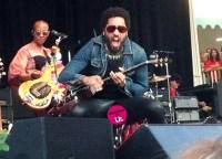Lenny Kravitz's pants split during a performance