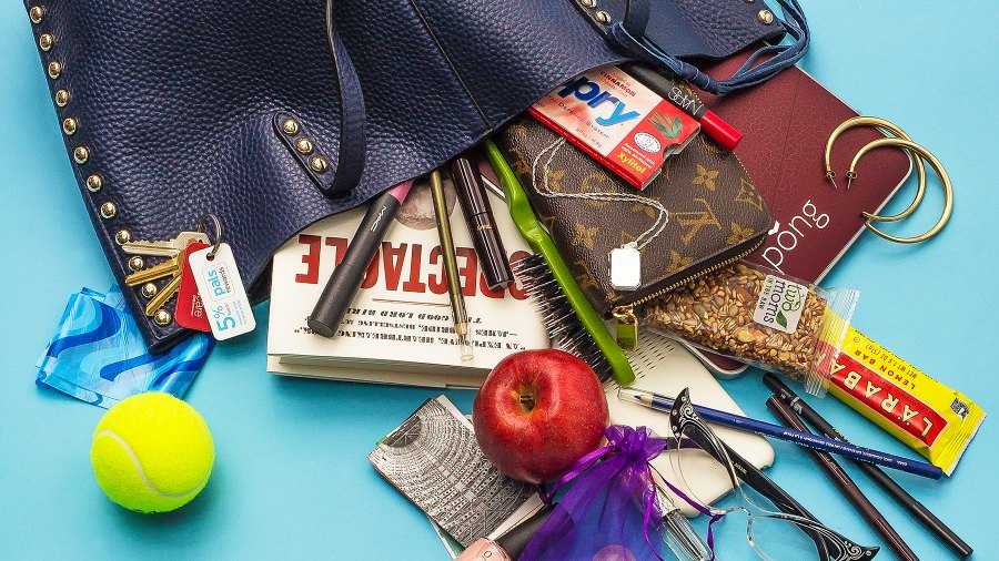 Find out what's in Regina Hall's bag