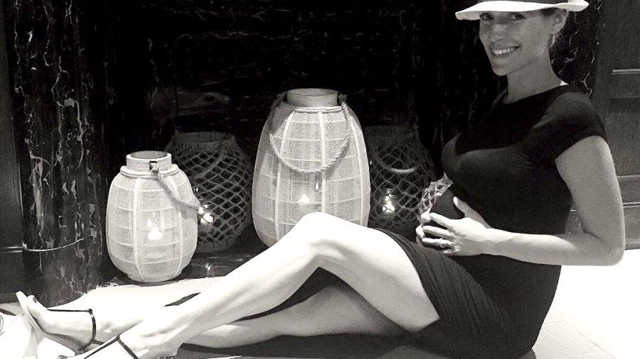 Pregnant Kristin Cavallari shows off her bump on Instagram