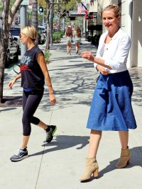 Nicole Richie and Cameron Diaz have lunch together on September 22.