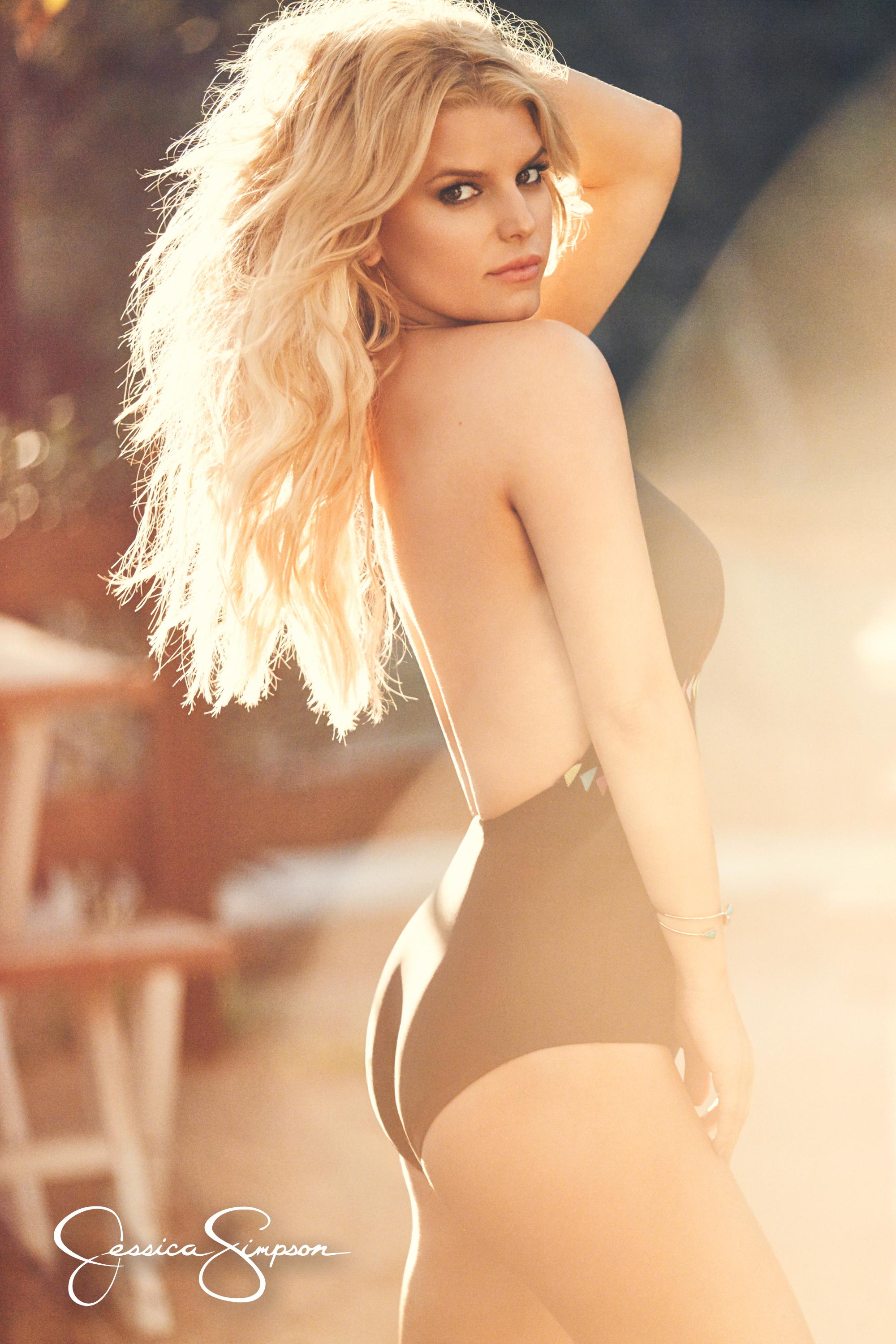 Jessica Simpson In A Bikini Pics