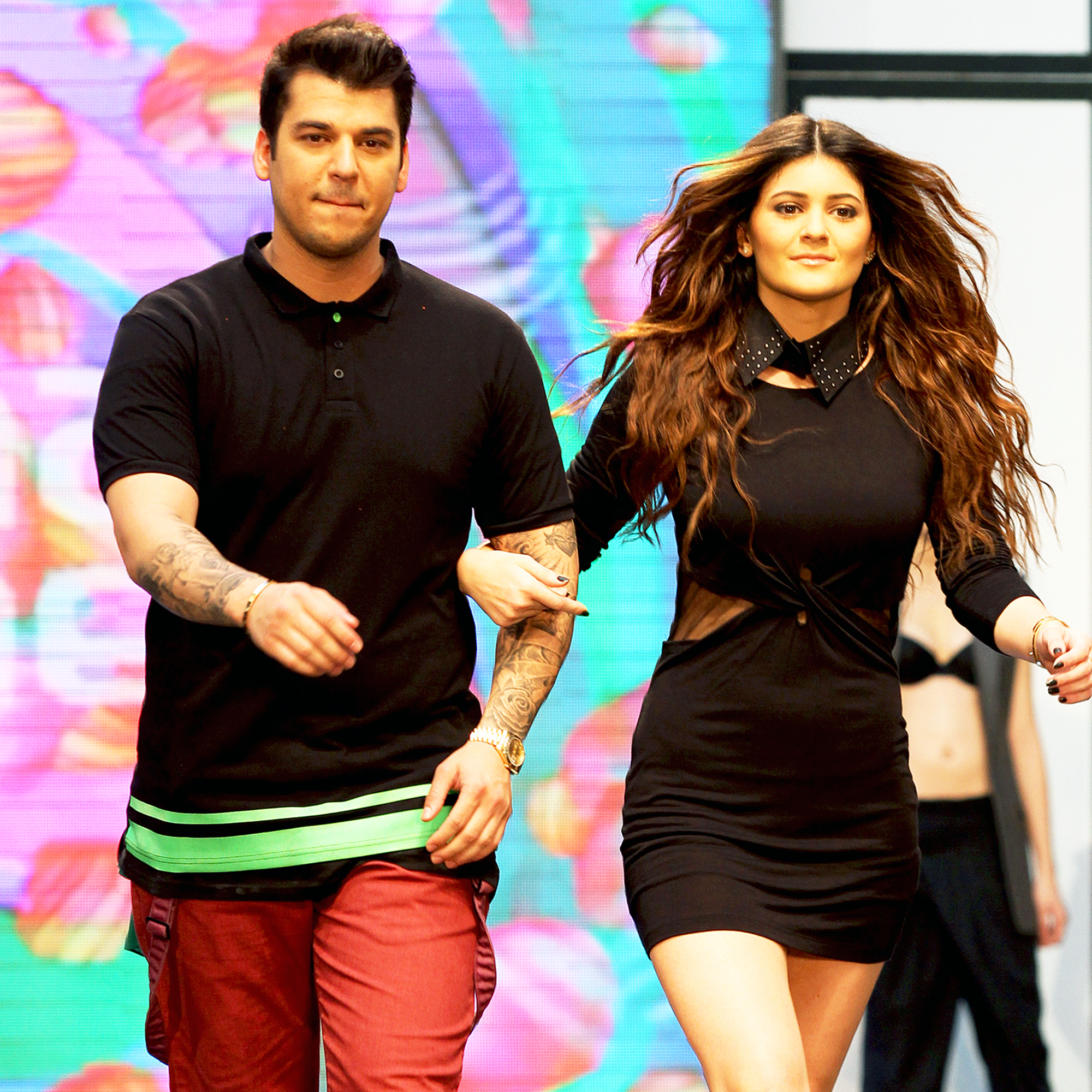 Iets Nieuws Rob Kardashian, Kylie Jenner Unveil Sock Collaboration @XI32