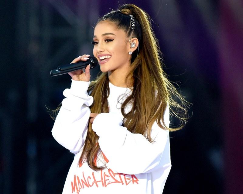 Ariana Grande social media