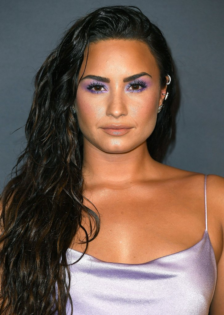 Selena Gomez Demi Lovato In Purple Makeup At Instyle Awards