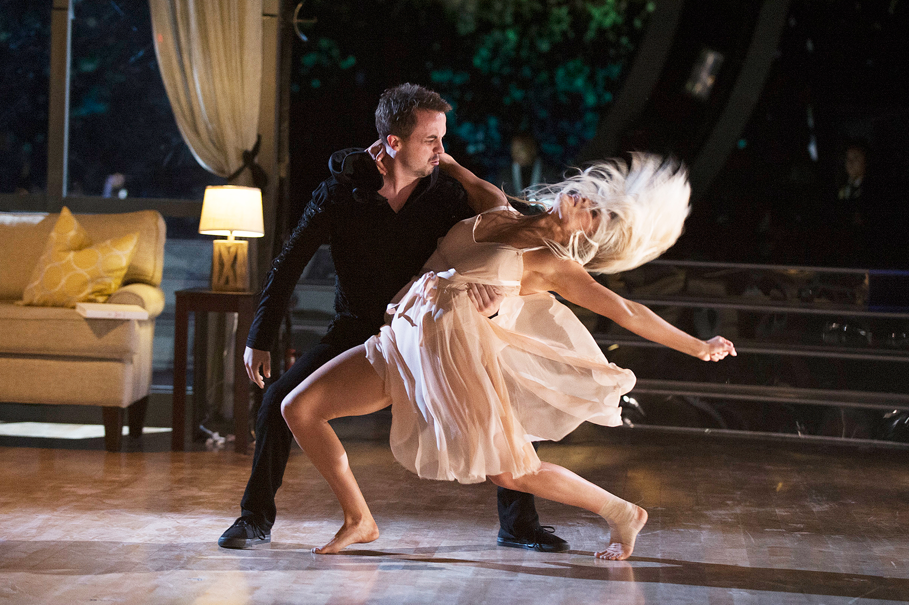 Frankie Muniz nd Witney Carson Dancing With The Stars