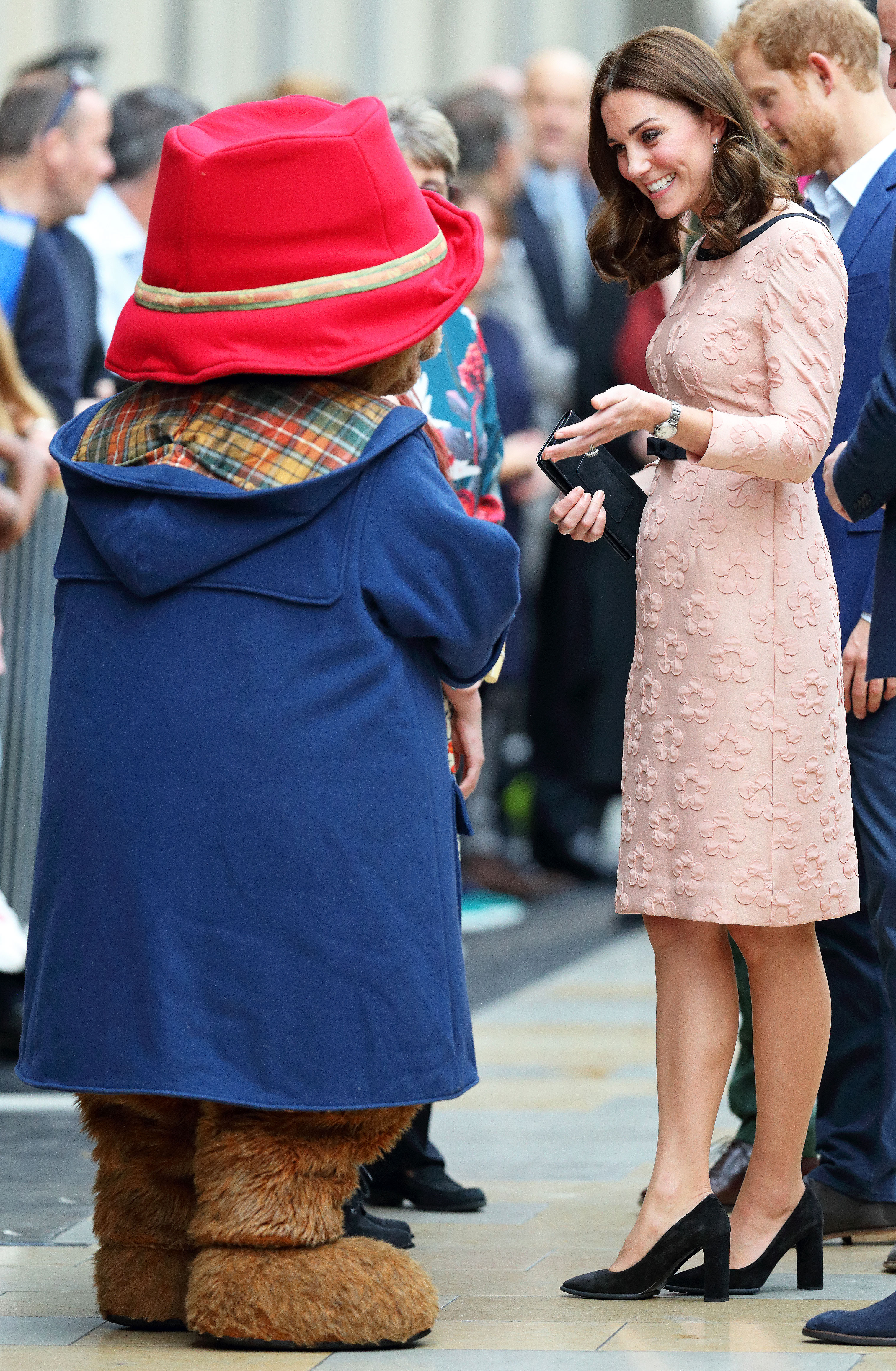 Kate middleton maternity style third pregnancy pics bear y cute ombrellifo Choice Image