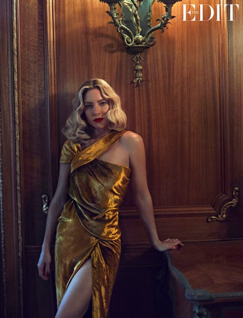 Kate Hudson wears dress by Jason Wu.
