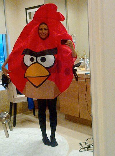 sofia-vergara-angry-bird-halloween