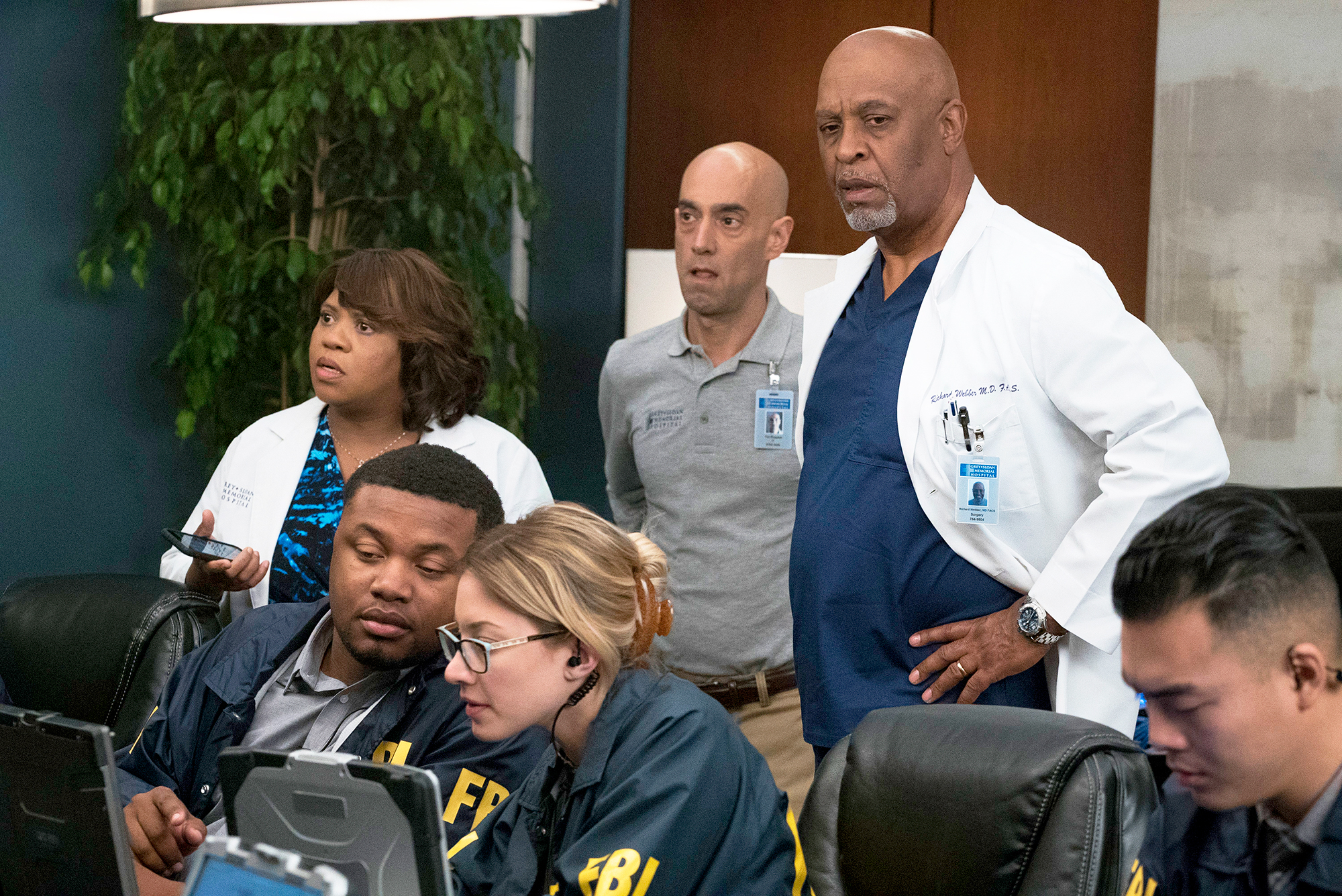 Greys Anatomy Midseason Finale Recap Jos Abusive Ex Finds Her
