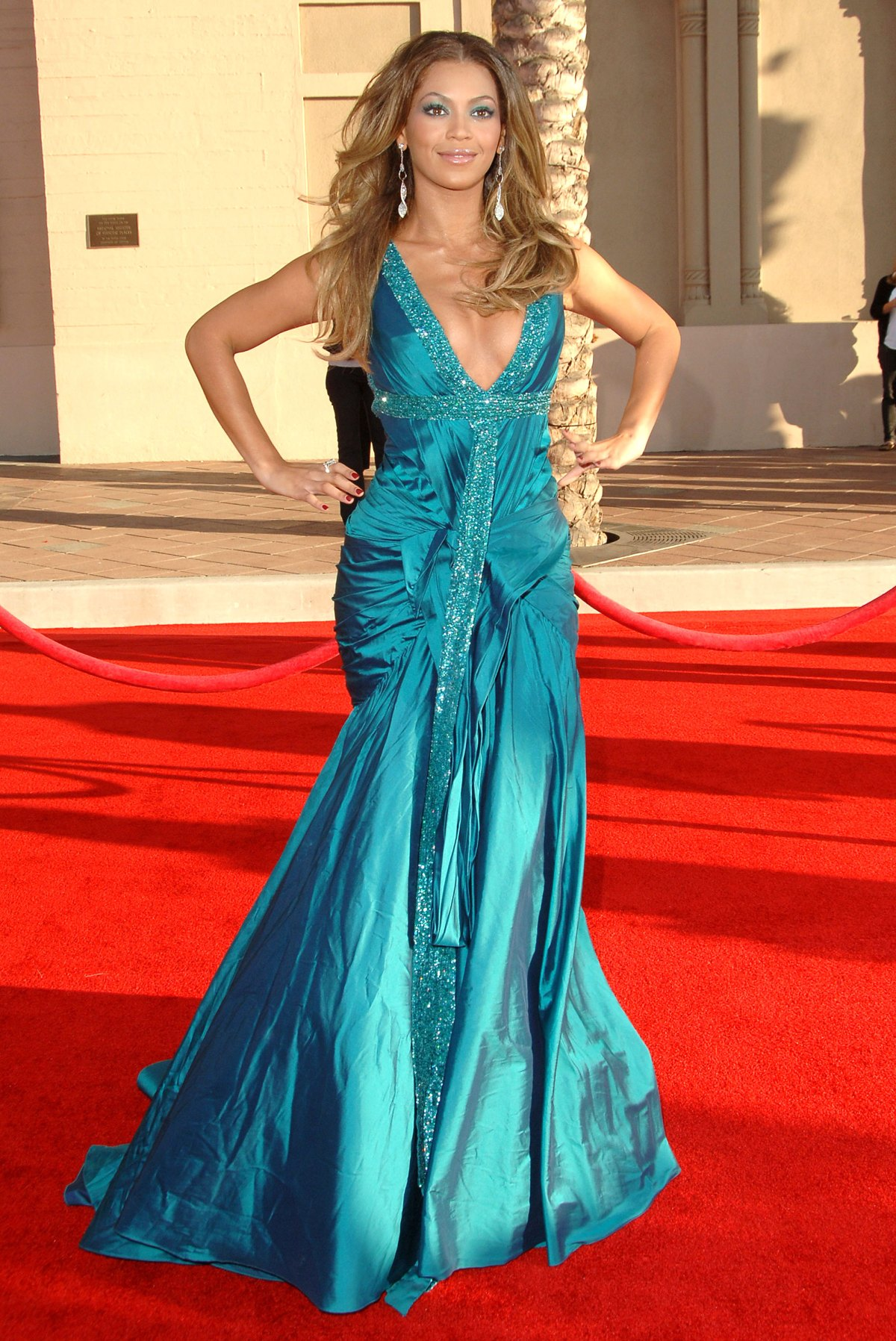 American Music Awards Fashion: All-Time Best Red Carpet Looks