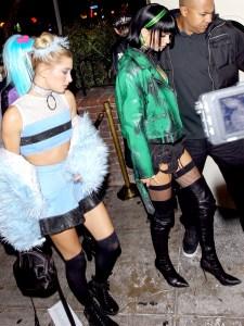 Hailey-Baldwin-Kendall-Jenner-Halloween