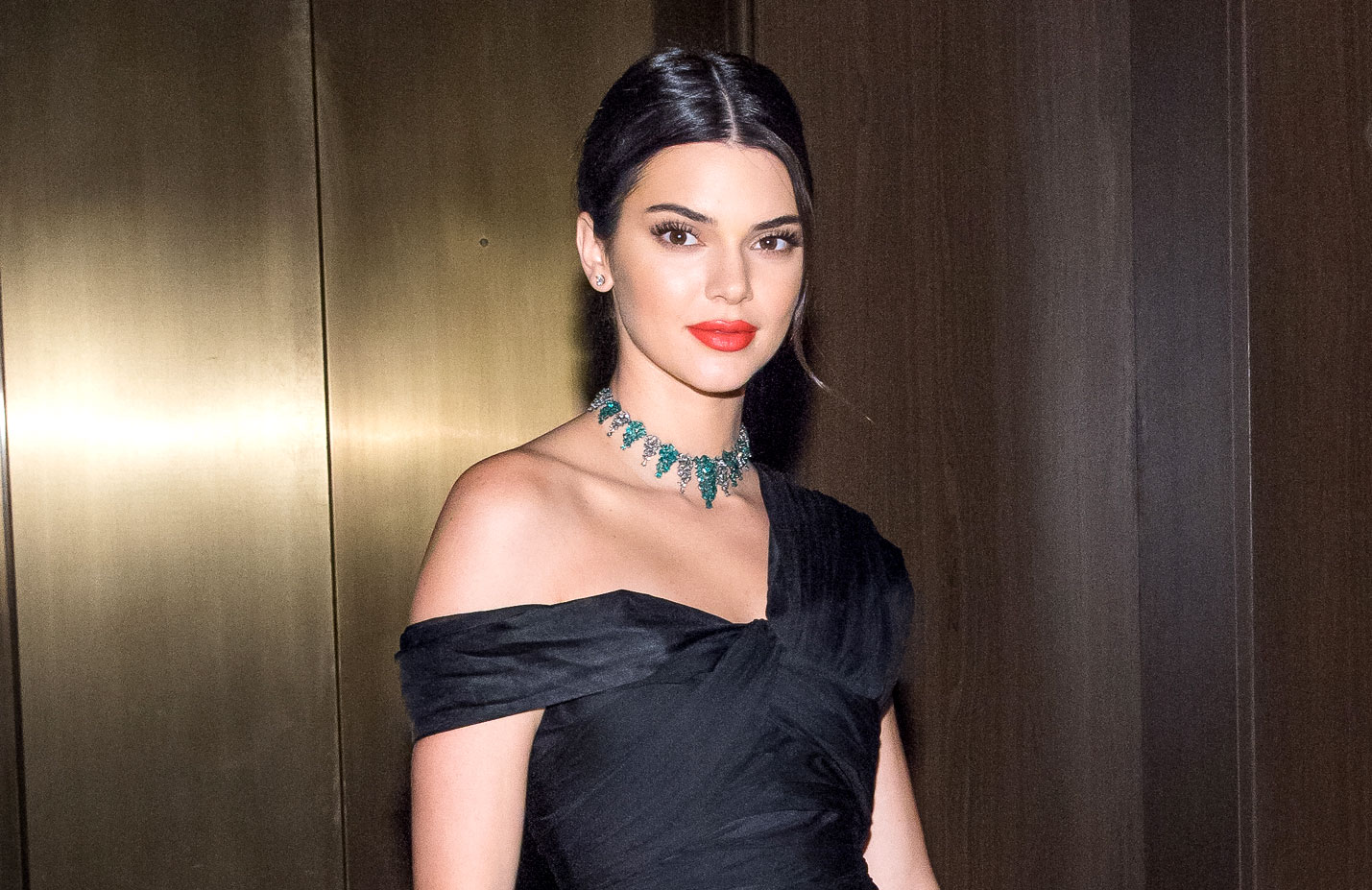 TheList: Kendall Jenners Holiday Picks photo