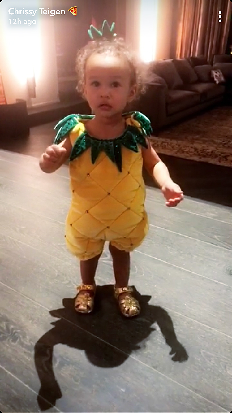 Luna Legend pineapple Halloween costume