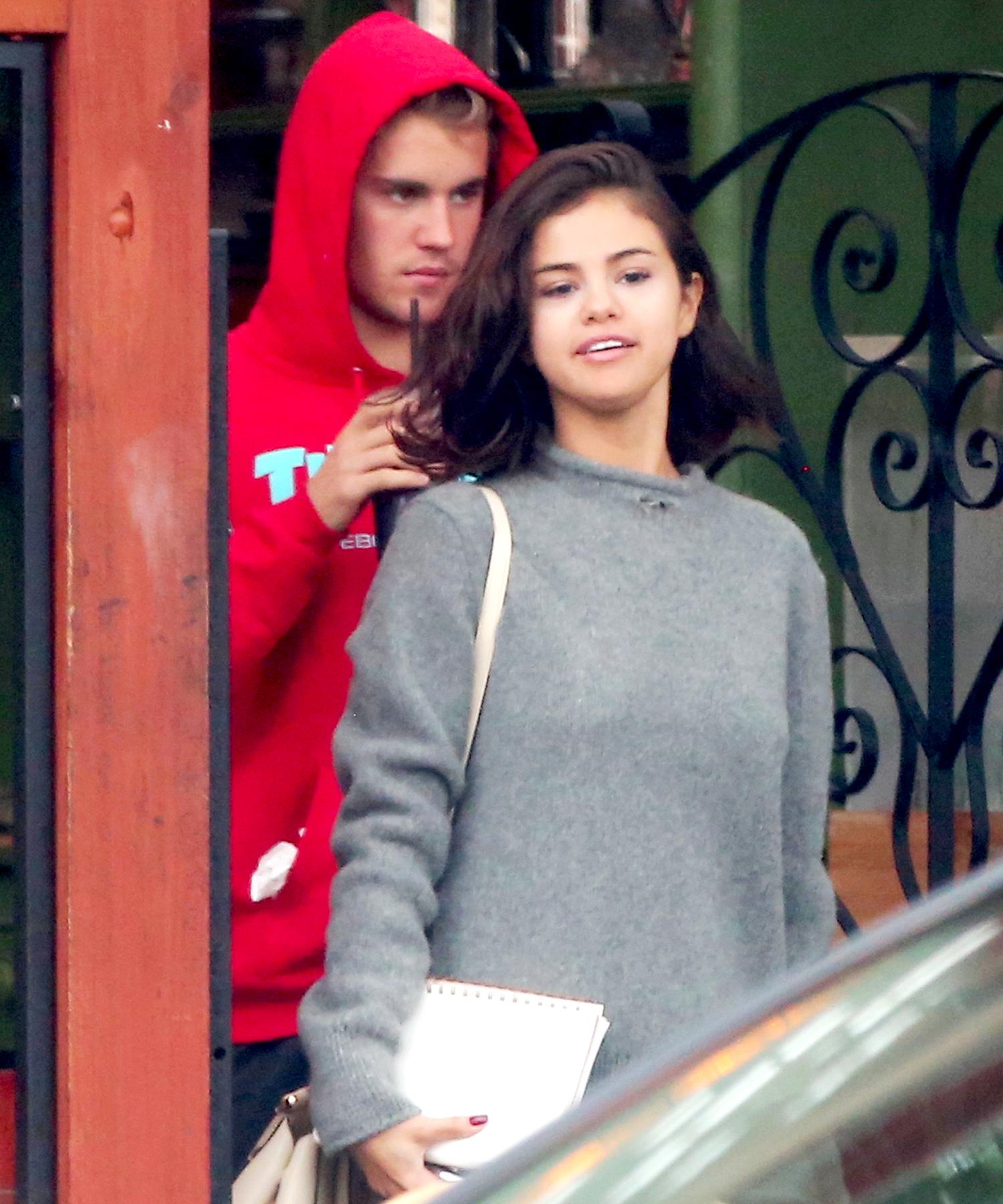 Justin Bieber And Selena Gomez Snuggle Bike Ride Through Los