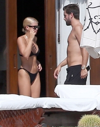 Sofia-Richie-nude-sunbathing-with-Scott-Disick