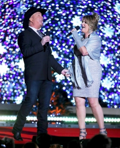 Garth Brooks and Trisha Yearwood perform during the the 94th annual National Christmas Tree Lighting Ceremony in Washington, DC.