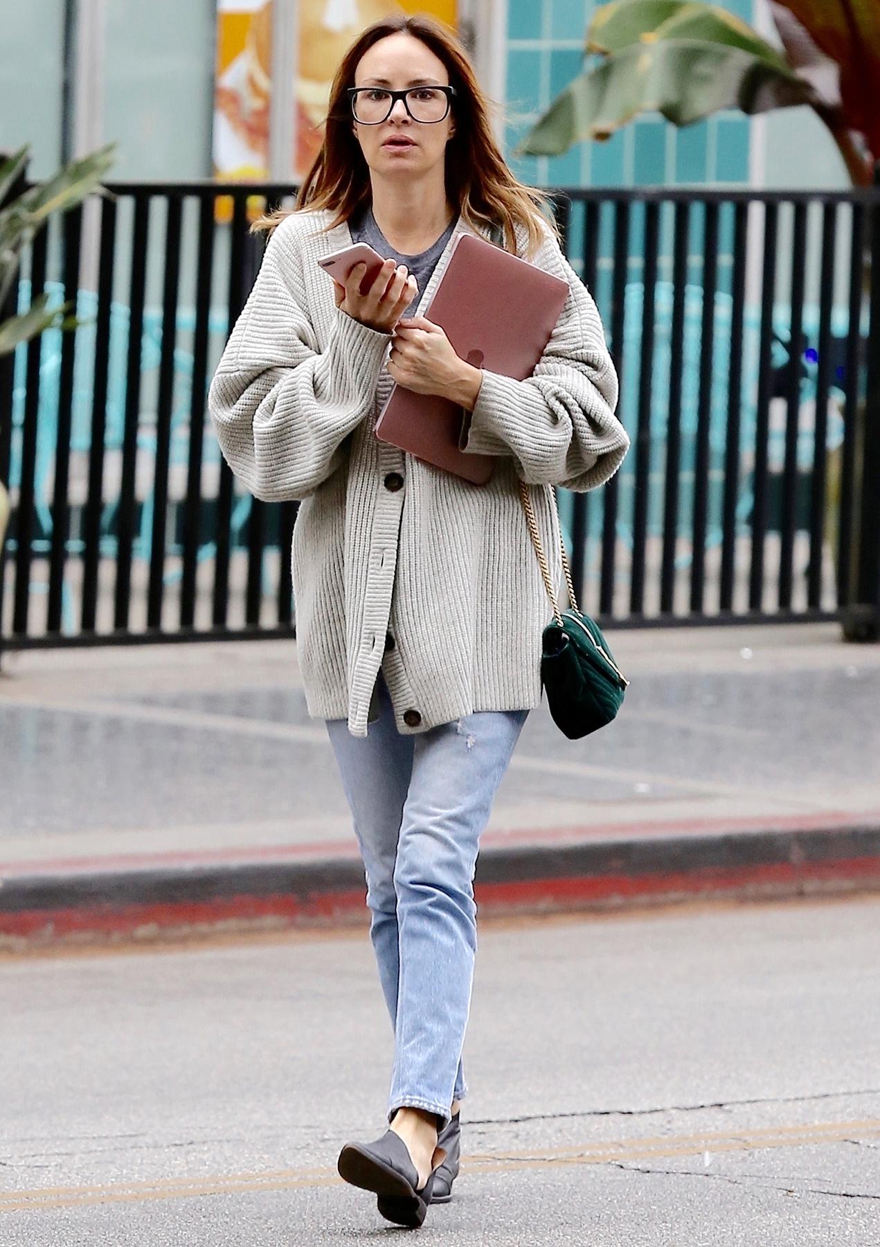 Catt Sadler in Los Angeles, California on December 20, 2017