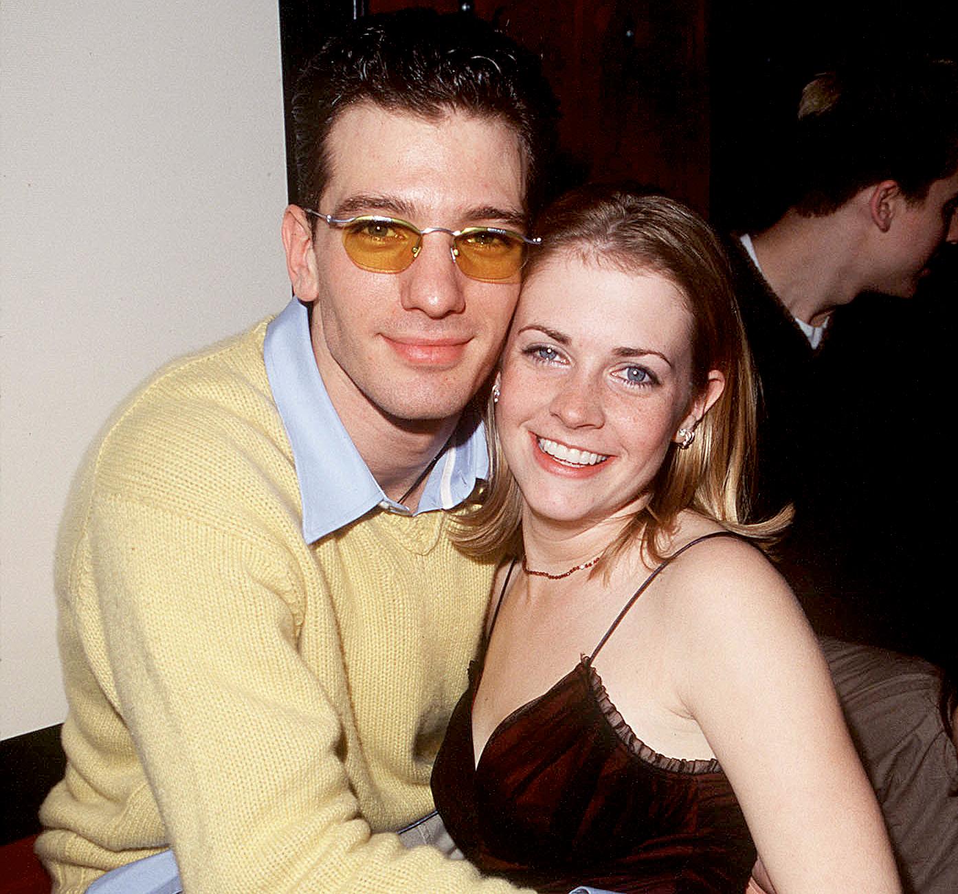 Whos dating melissa joan hart