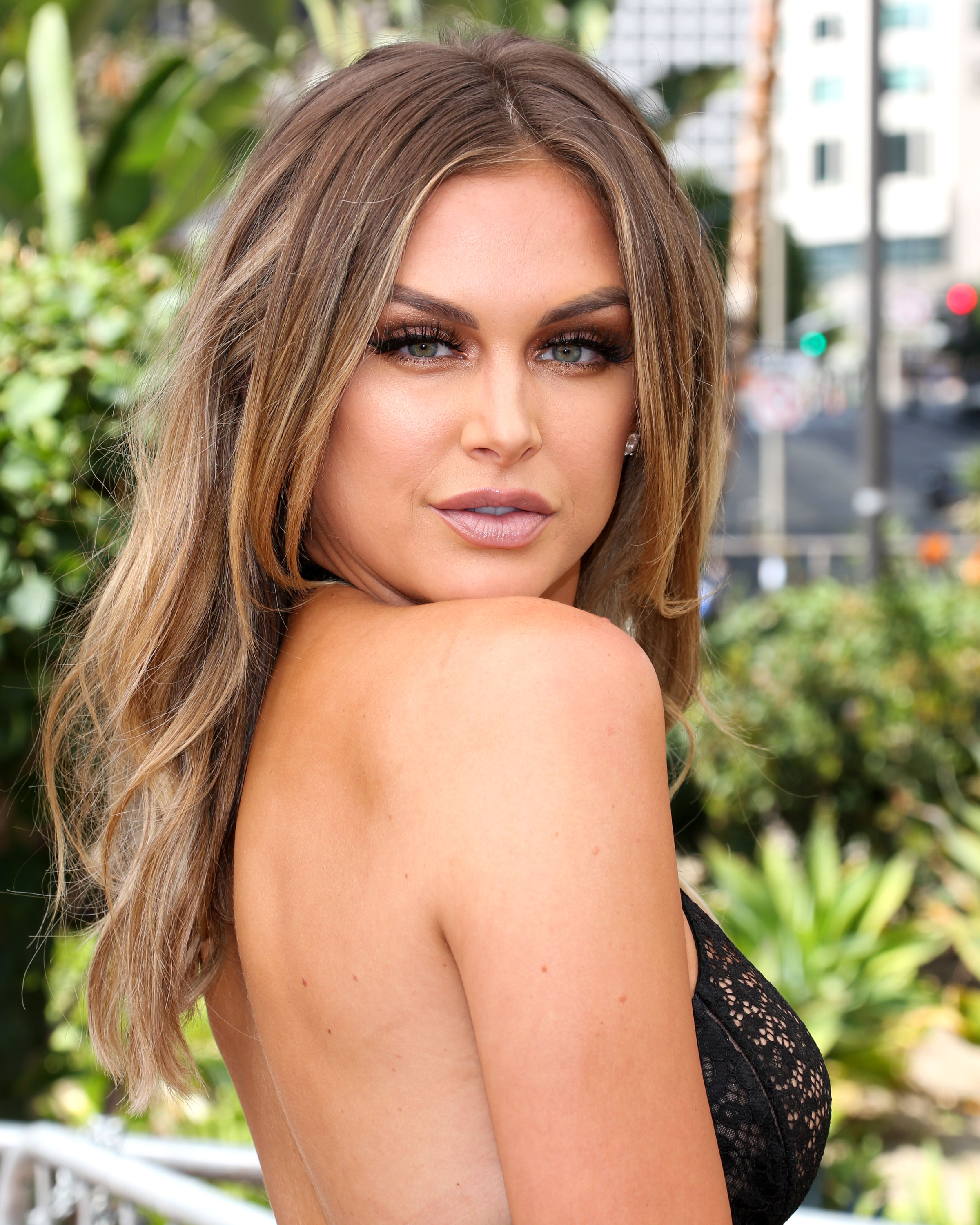 Images Lala Kent naked (86 photos), Ass, Sideboobs, Feet, braless 2006