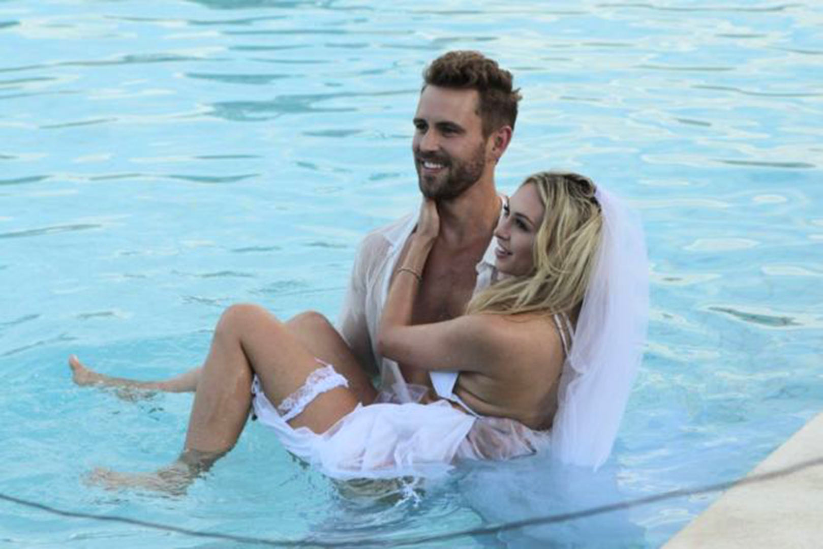 Corinne Olympios and Nick Viall - Strutting her stuff! Corinne Olympios didn't shy away from packing on the PDA with Nick Viall during a group date.