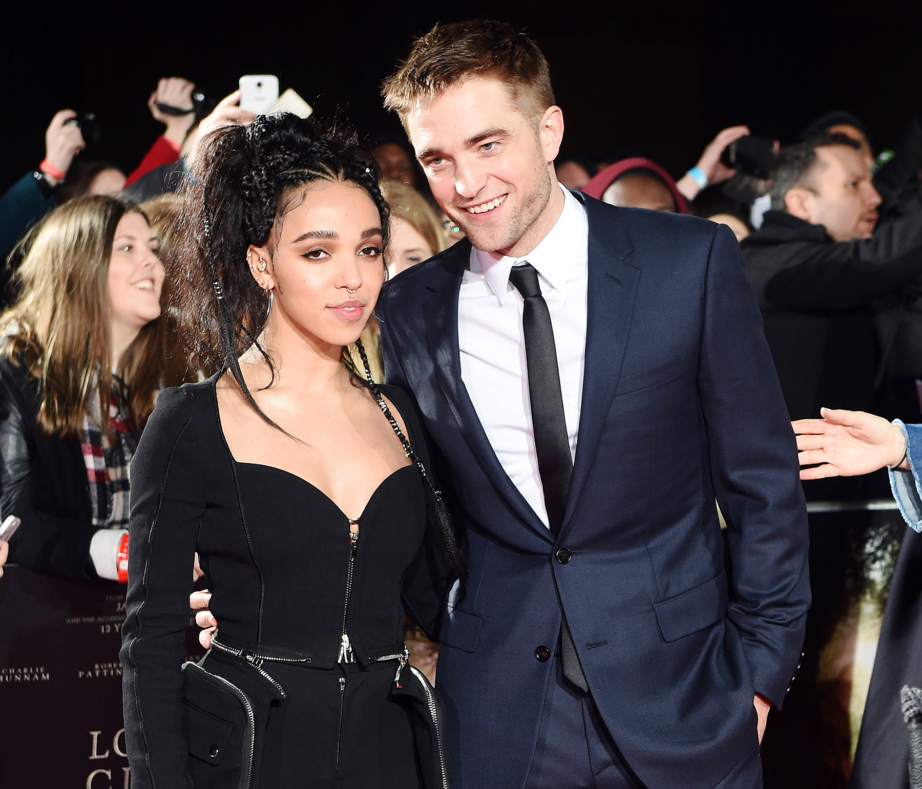 Robert Pattinson Spotted With Mystery Blonde After FKA ... Robert Pattinson And Fka Twigs
