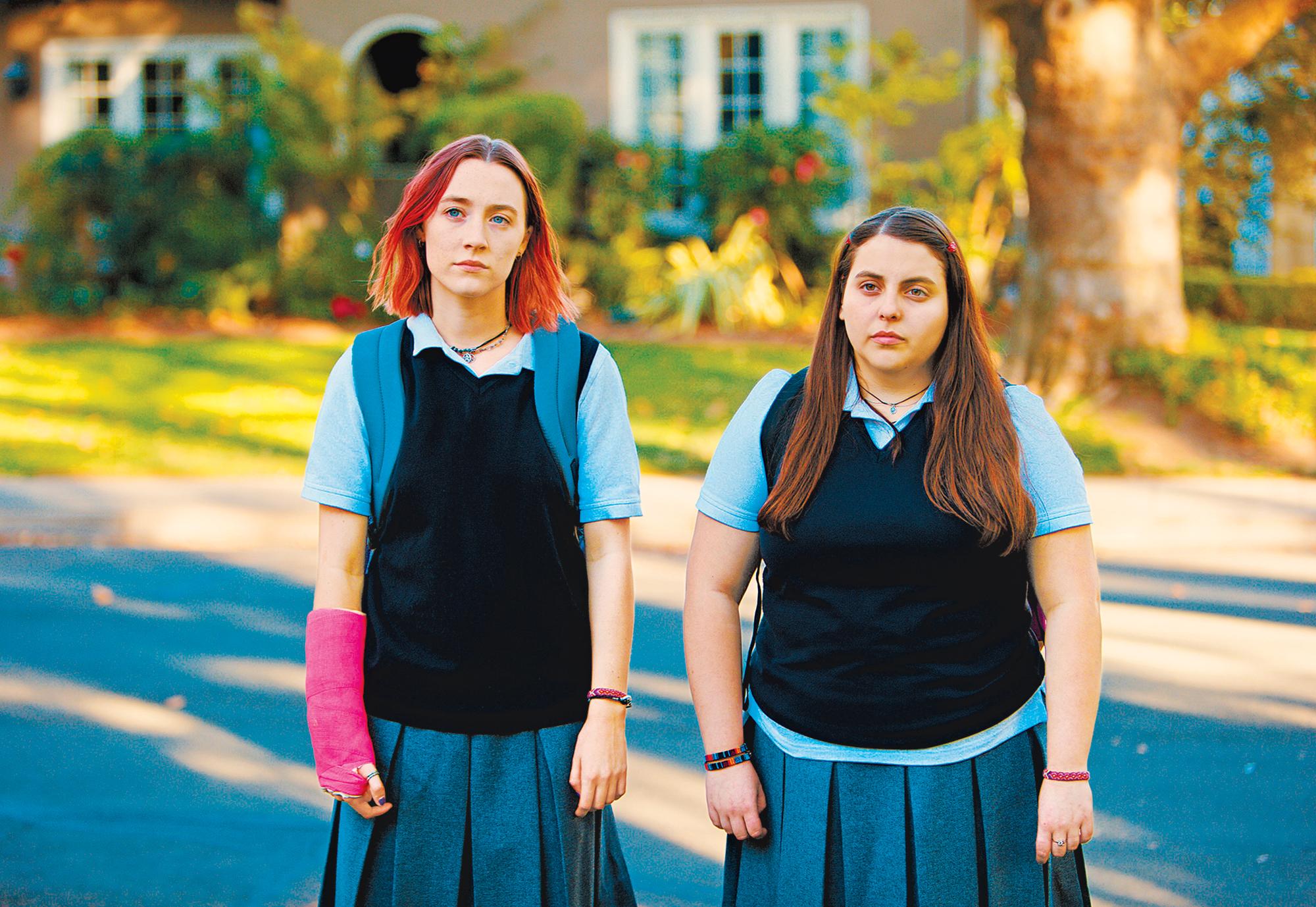 Saoirse Ronan and Beanie Feldstein in 'Lady Bird