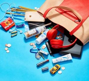 Kelli Giddish: What's in My Bag?