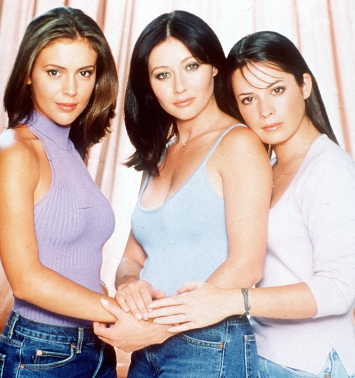 Charmed Star Holly Marie Combs Isn T Into Reboot S Lgbt Twist