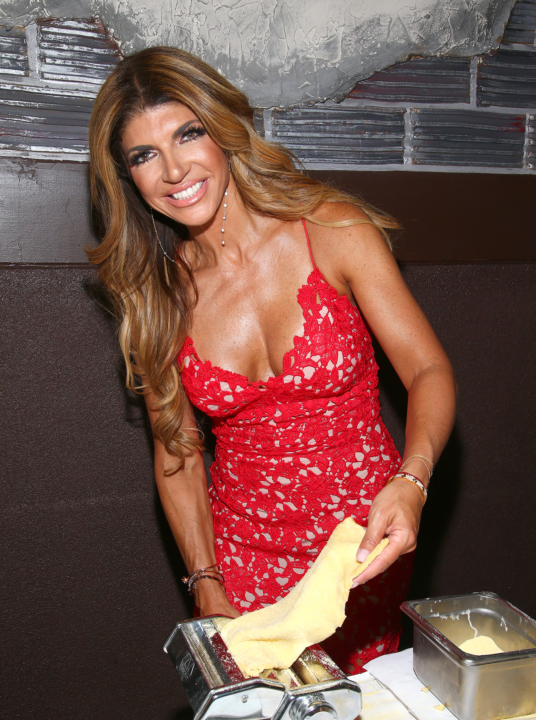 Teresa giudice isn t divorcing joe giudice her attorney says for Where do real housewives of new jersey live