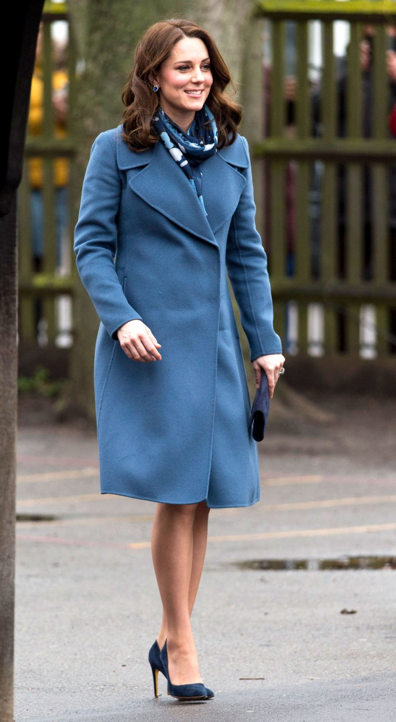 Kate middletons maternity style her absolute best looks from her belle in blue ombrellifo Choice Image