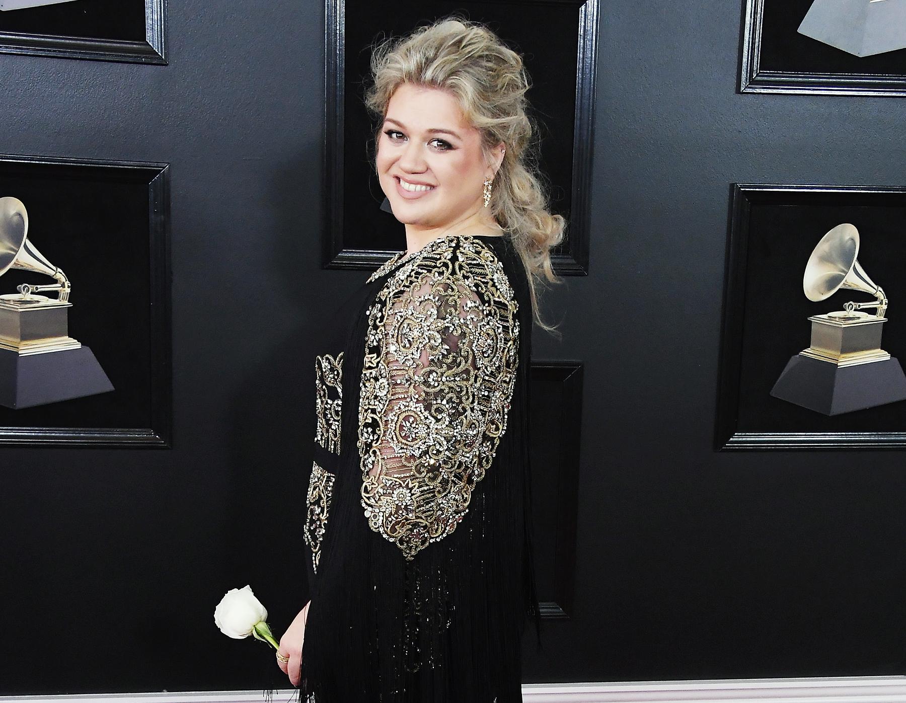 Kelly Clarkson Grammys 2018
