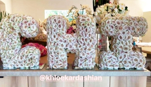 Kim Kardashian Khloe Kardashian Chi Flowers