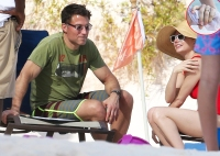 Michelle Williams Andrew Youmans Bahamas beach ring