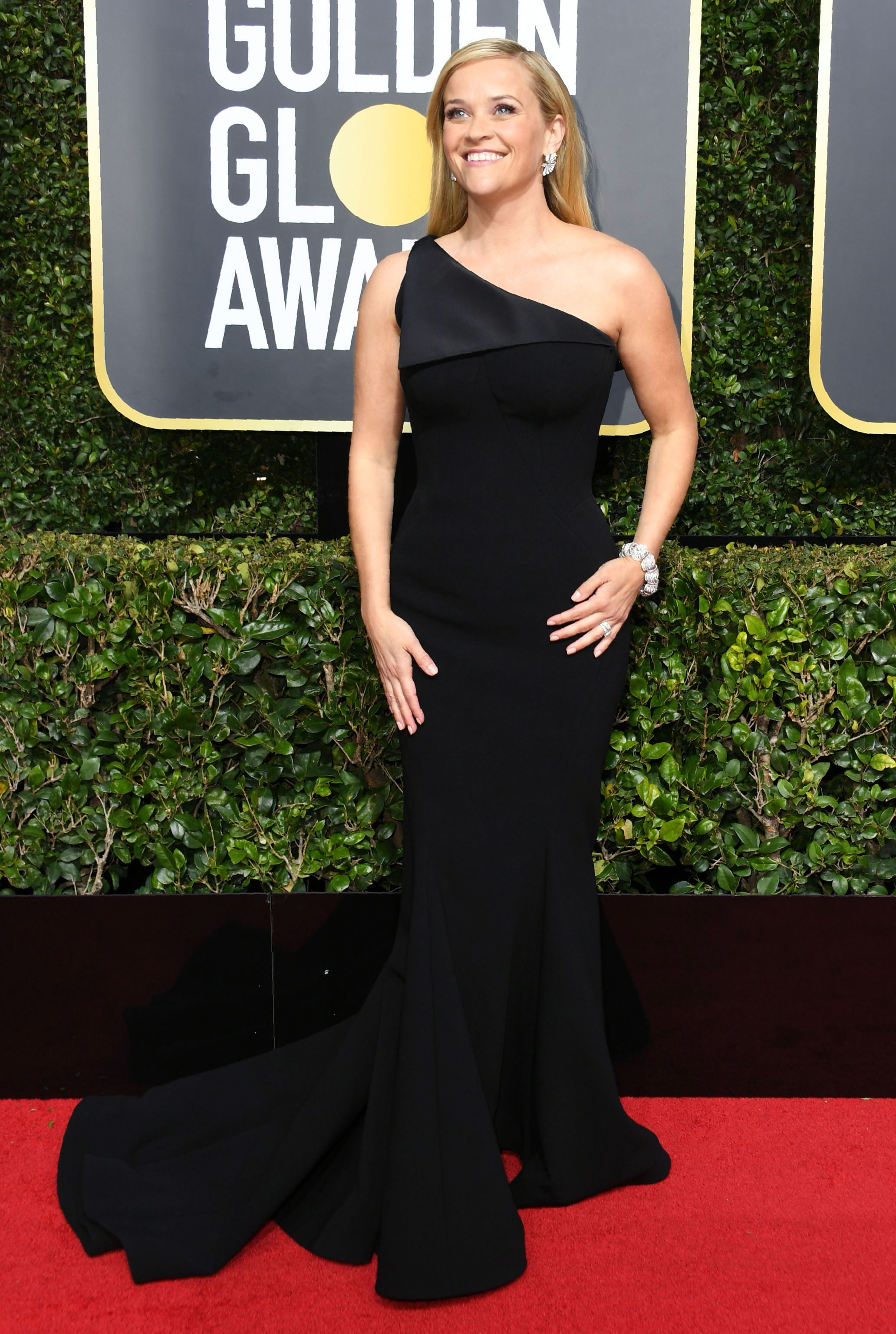 Golden Globes 2018 Red Carpet Fashion: See Stars Dresses, Gowns