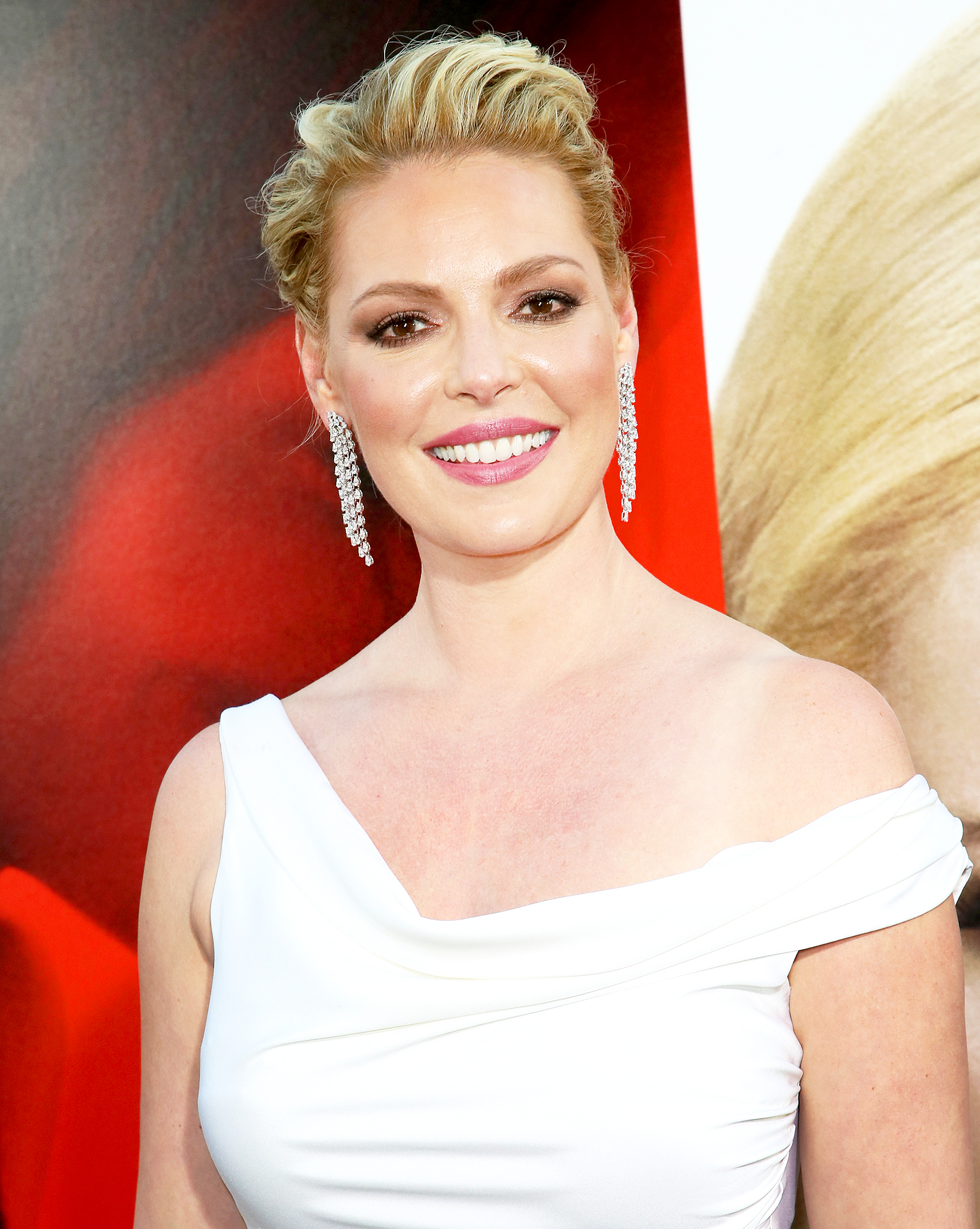 Katherine Heigl Poses in Bikini, Reveals How She Lost Post-Baby Weight