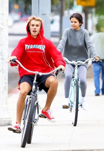 Justin Bieber and Selena Gomez step out together for a biking session in Los Angeles, California on November 1, 2017.