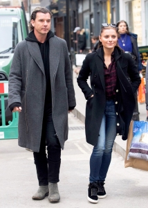 Gavin Rossdale and Sophia Thomalla step out in London, England on November 25, 2017.