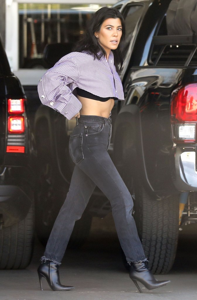 d80116ef41 Kourtney Kardashian Flaunts Abs in Crop Top: Pics