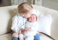 prince george kisses charlote