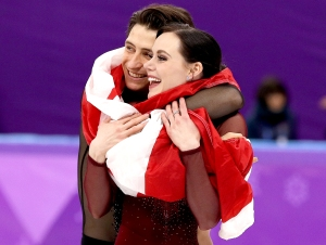 Tessa-Virtue-and-Scott-Moir-hug