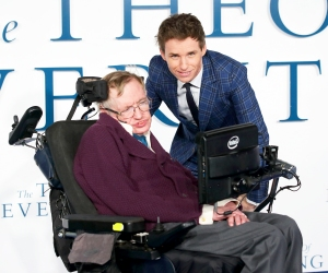 """Stephen Hawking and Eddie Redmayne attend the UK 2014 Premiere of """"The Theory Of Everything"""" at Odeon Leicester Square in London, England."""