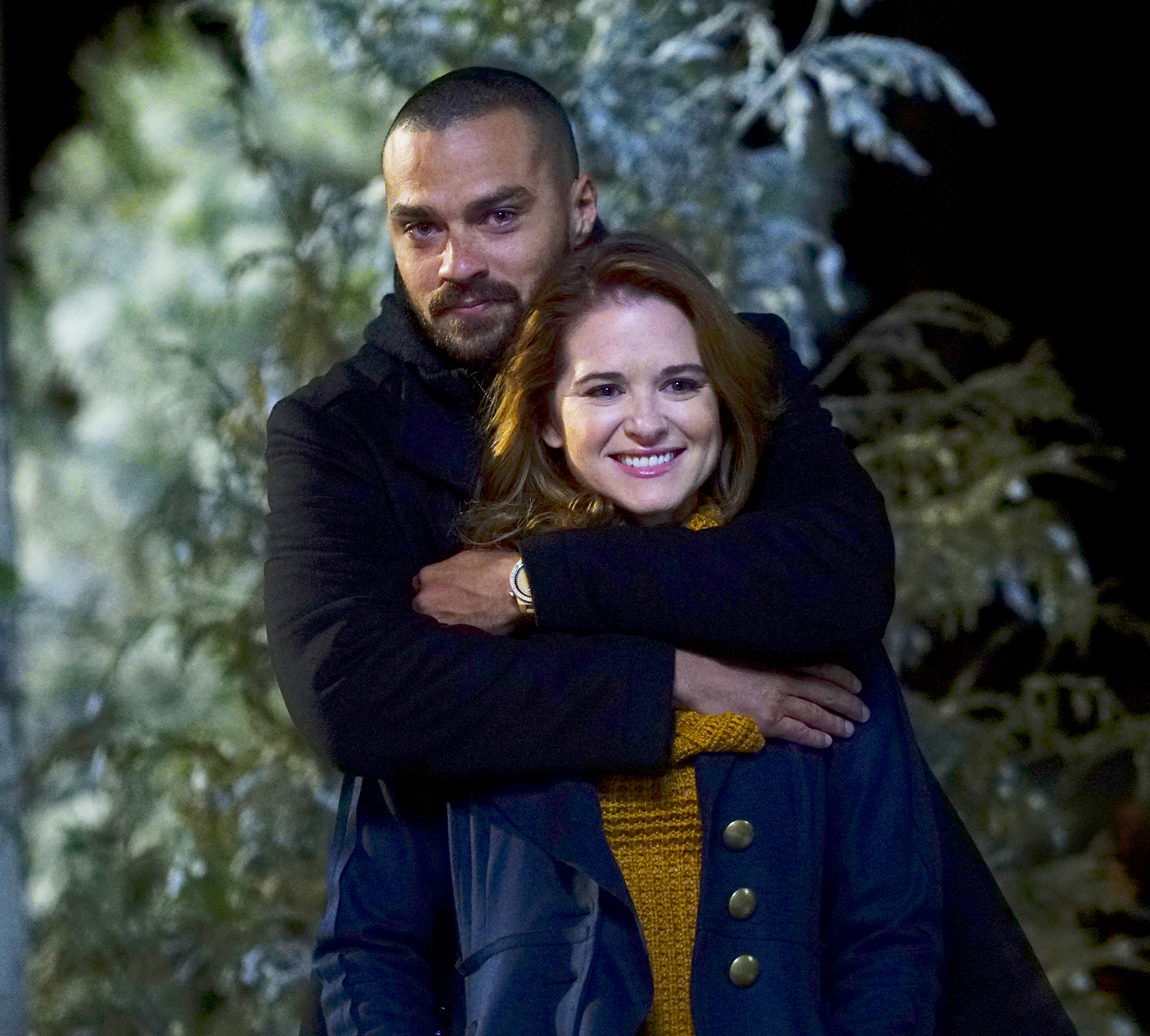 Jesse Williams and Sarah Drew on 'Grey's Anatomy' Gallery - Jackson and April traveled to Montana together to save a young girl's vocal chords. April also supported Jackson when he confronted his estranged father during the trip.