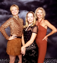 Caroline Rhea, Melissa Joan Hart and Beth Broderick on 'Sabrina The Teenage Witch'