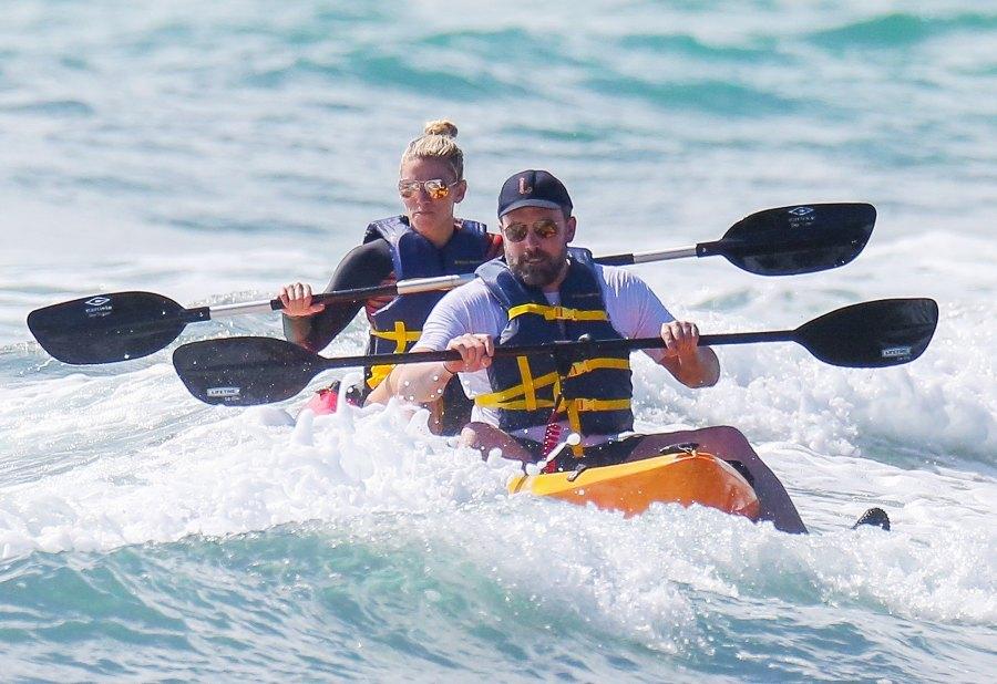 Ben Affleck Lindsay Skookus kayaking Honolulu