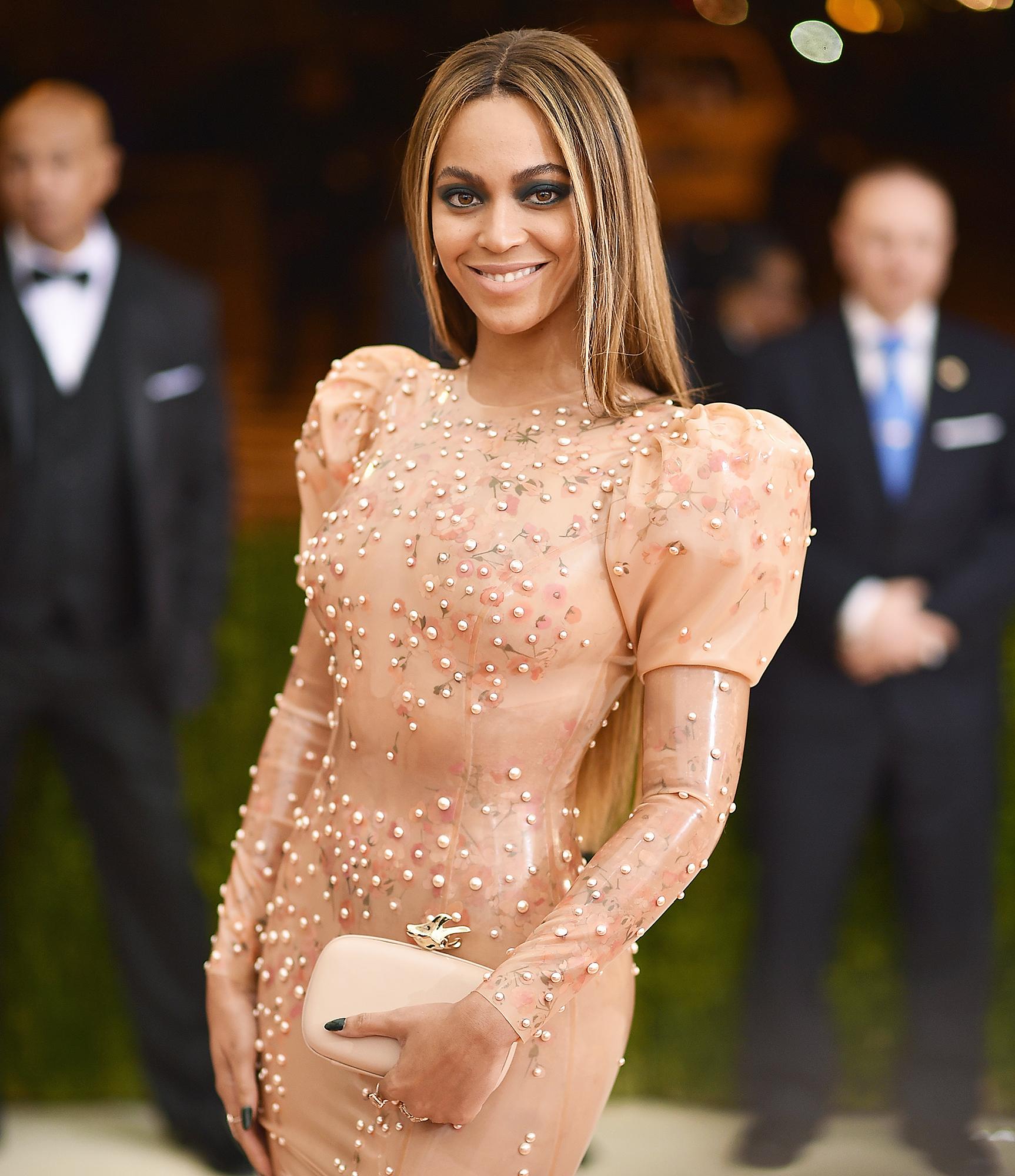 Zach Braff Teases He Bit Beyonce