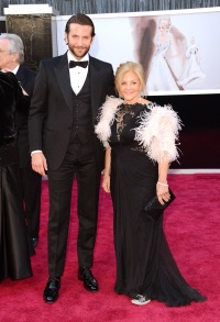 Bradley Cooper brought family to oscars