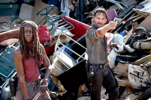 Danai-Gurira-as-Michonne,-Andrew-Lincoln-as-Rick-Grimes