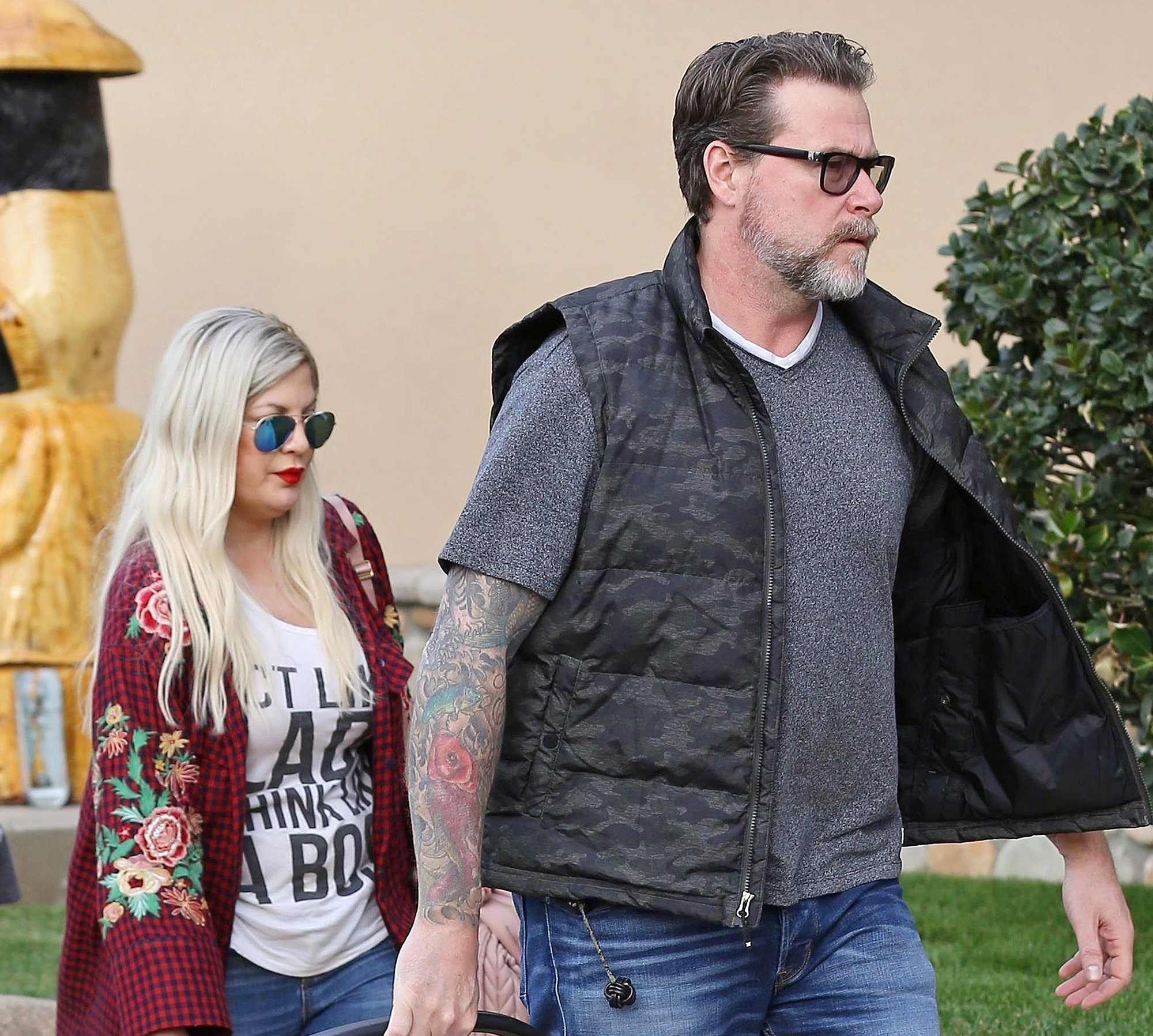 Dean McDermott Tori Spelling Domestic Incident Family Diner