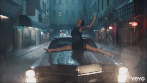 "Taylor Swift ""Delicate "" video"